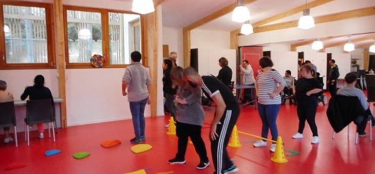 Activités motrices à l'association Fondation Bompard de Novéant -sur-Moselle